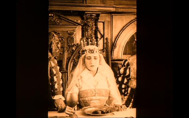 Lubitsch frames Anna Boleyn, Weimar Germany Tudor England