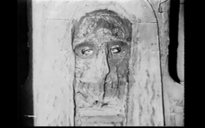 Pola's eyes, a Mummy's mask